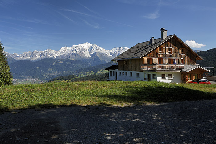 Location appartements dans chalet face Mont-Blanc